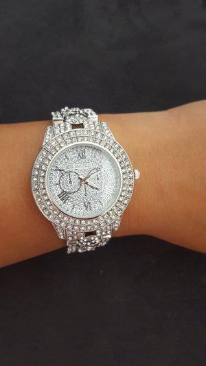 Neue Damenuhr in Silber
