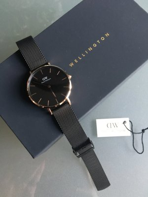 Daniel Wellington Watch With Metal Strap black-gold-colored