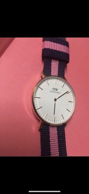 Neue Daniel Wellington Uhr Roségold Blau Pink