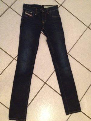 Neue Diesel Jeans -dunkelblau ohne Waschung