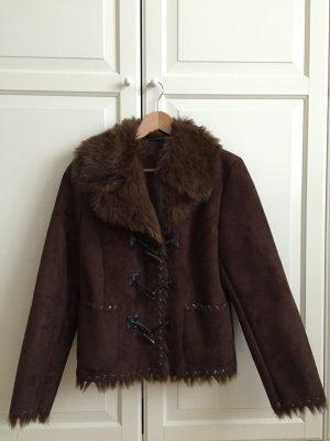 Neue, dunkelbraune Jacke im Lammfell-Style, Gr. 38