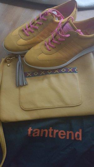 Neue ecco Turnschuhe mit passender Hippietasche in Sommerfarbe gelb