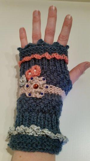 neue, edle, handmade Woll-Handstulpen