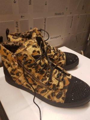neue eingetragene Sneaker