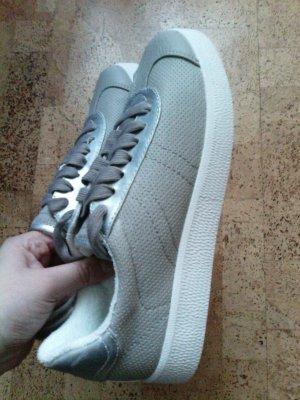 *Neue* Esprit Sneaker beige/silber ausverkauft