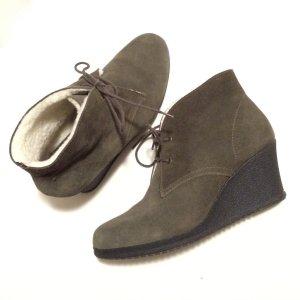 Neue ESPRIT Velourleder - Stiefeletten mit elastischem Keilabsatz in Grösse 39