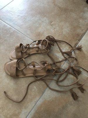 Neue flache Wildleder Sandalen