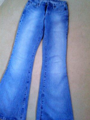 neue G-Star Jeans, mittelblau, sitzen sehr gut