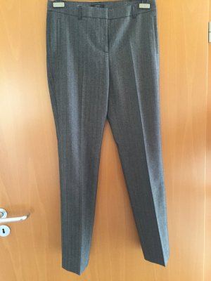 Neue, graue Business-Hose
