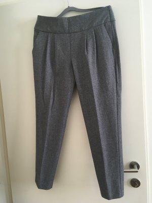 Neue graue Hose aus wolle von Cambio, Größe 40. neu! Nie getragen! Neupreis 200 Euro. Material wie Tweed.