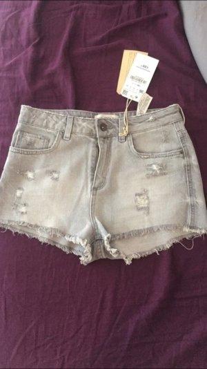 NEUE graue Shorts von Zara