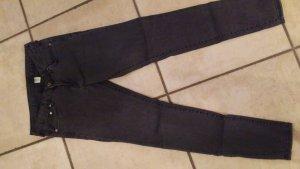 Neue graue skinny Jeans von H&M