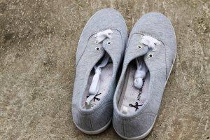 Neue graue Stoffsneaker 37 Sneaker Stoffschuhe Damen Atmosphere New Yorker hell