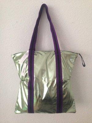 Neue Handtasche von Bree in Metallic Grün