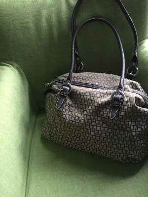 Neue Handtasche von Tommy Hilfiger
