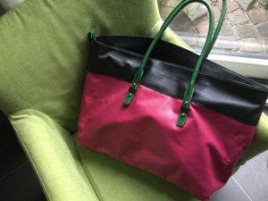 Neue Handtasche von Tommy Hilfiger mit Trageriemen zum wechseln