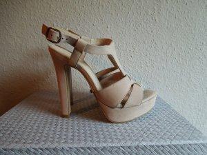 Neue High Heel Sandalette von Hallhuber