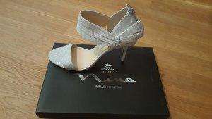 Neue High Heels, Hochzeitsschuhe
