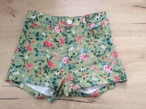 Neue high waist Shorts in der Größe 34