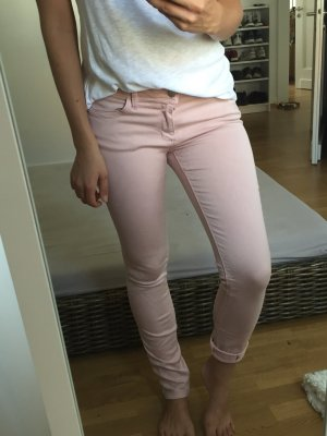 Neue Hüft-Jeans von ZARA in Rosa