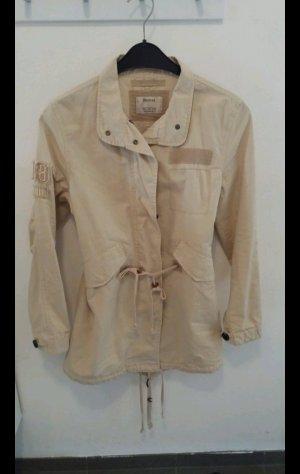 Bershka Trenchcoat licht beige
