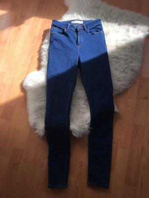 NEUE Jeans in schönem Blau - Größe 26/32