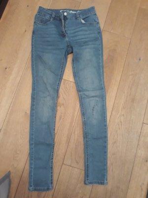 Neue Jeans (Slim) 2 bis 3 mal eingetragen von Ernistings Famili