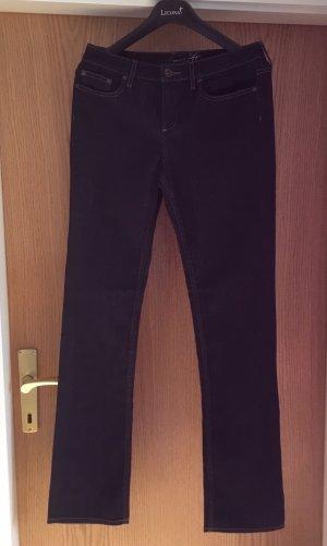 Neue Jeans von Tommy Hilfiger