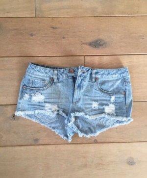 Neue Jeansshorts von Tallj Weijl