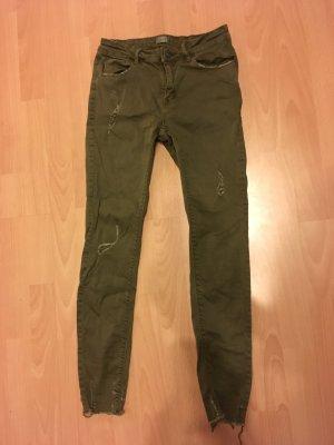 Neue knöchelhohe Jeans