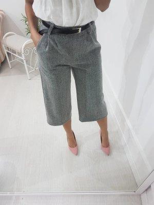 Pantalón pirata gris