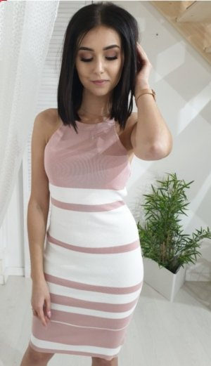 Abito di maglia bianco-rosa pallido