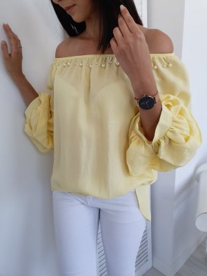 Blusa tipo Carmen amarillo claro