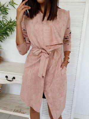 Manteau en cuir rosé