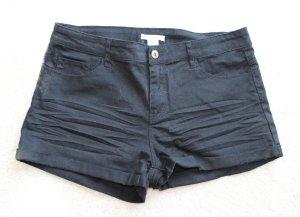 Neue kurze Hose in schwarz