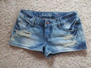 NEUE kurze Jeanshose, Gr. XS 34, knapper sexy Schnitt, Hot Pants