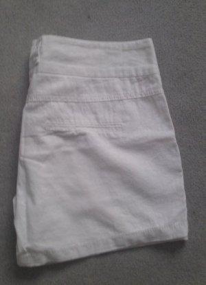 neue kurze weiße Hose von Only