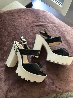 Platform High-Heeled Sandal black-white