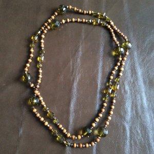 NEUE Länge Holzkette mit grünen Steinen & silbernen Perlen