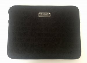 Neue MARC BY MARC JACOBS Laptoptasche in Neopren-Optik, schwarz