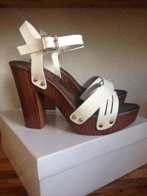 Neue moderne Schuhe die ich neu Verkaufe
