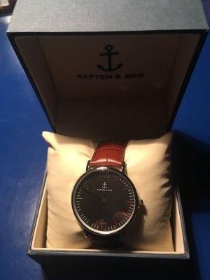 Neue, nie getragene Kapten & Son Uhr mit braunem Lederarmband