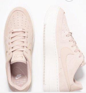 Neue Nike air plattu