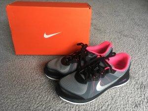 Neue Nike Dual Fusion X 2, Gr.38,5