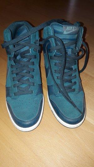 Neue   Nike   Sneakers