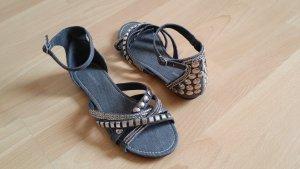 Neue offene Sandalen