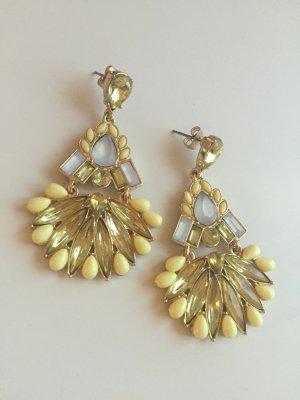 Neue Ohrringe in gelb/gold