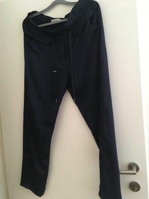 Neue Original dunkelblaue Hose von munthe. ganz neu aus der aktuellen Kollektion. Leider zu groß gekauft.