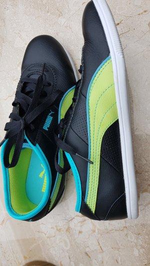 Neue Originale Puma Sportschuhe  ( schwarz mit grünen Highlights)