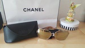 Neue oversize Sonnenbrille von Guess